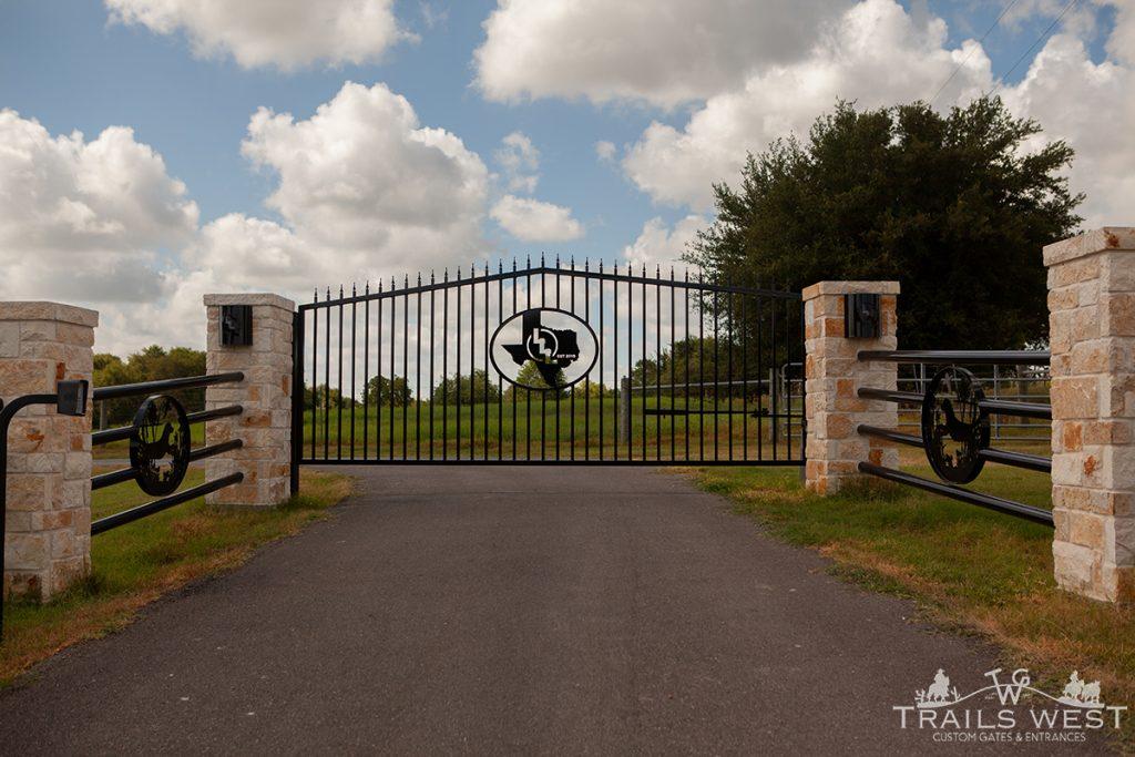 Ranch Gates - Custom Driveway Gate