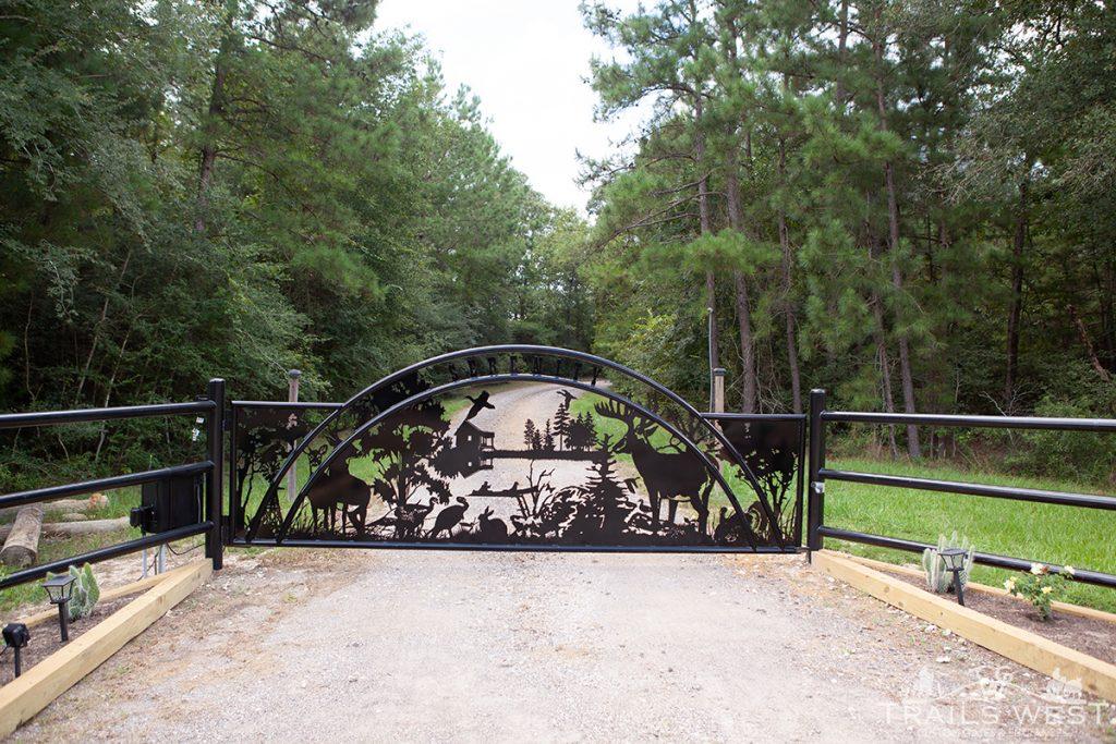 Trails West Gate Company - Artistic Entry Gate - Texas