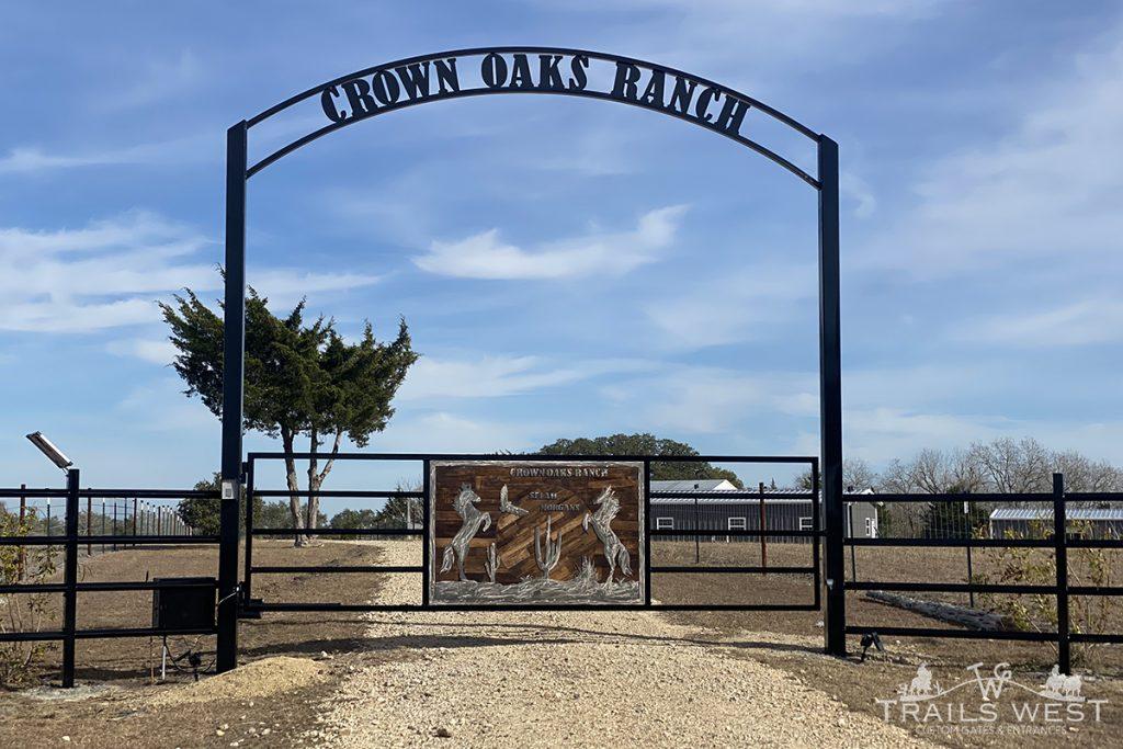Custom Ranch Gate - Texas - Trails West Gate Company