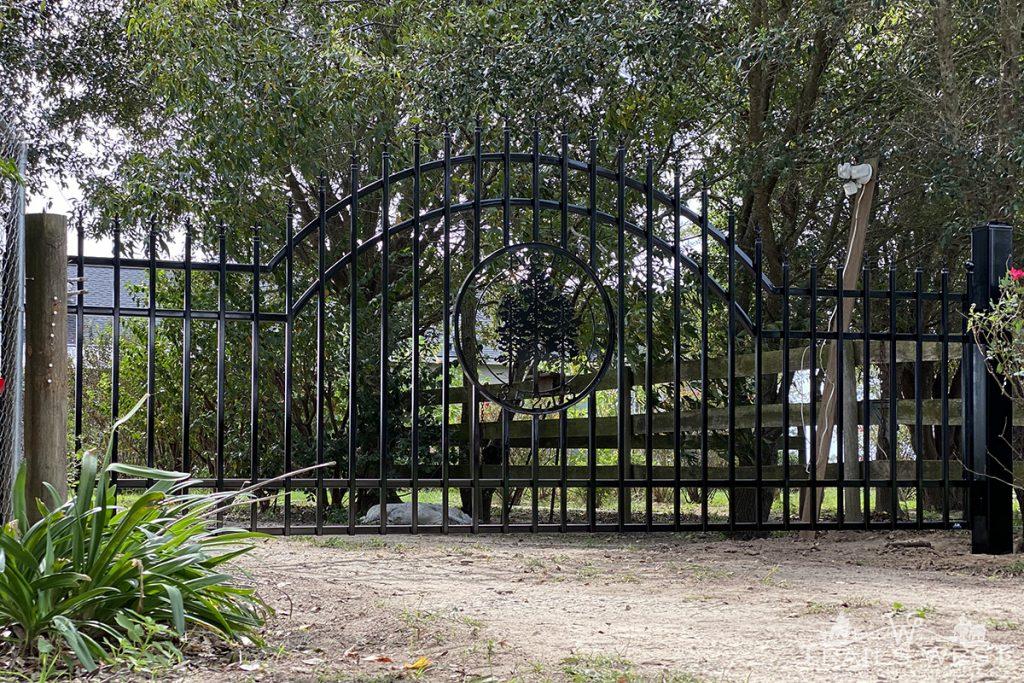 Custom Entry Gates in Texas