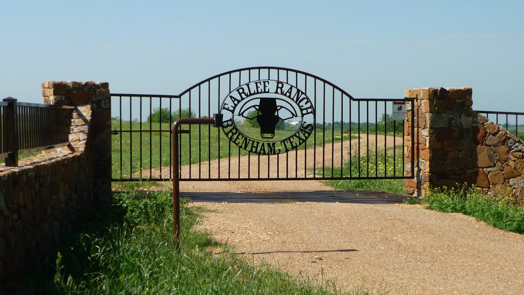 Classic Ranch Gate - Automatic Solar Power Gate Company